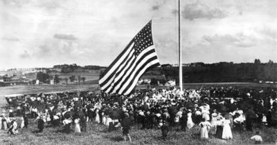 Flag raising at Elizabethtown